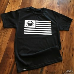 Shore Redneck Black Out USA Crab Flag T